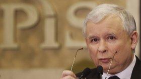 Kdo doopravdy tahá za nitky v Polsku? Kaczyński prý vede naše sousedy pryč od demokracie