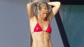 Gwyneth Paltrow: Cítím se teď v plavkách mnohem lépe než před dvaceti lety