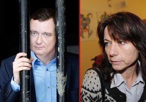 Proč milujeme kriminálníky? Přítelkyně čekaly roky na Berdycha i na Jonáka
