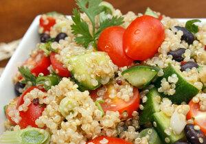 Už jste vyzkoušeli quinou? To byste určitě měli, protože je skvělá například k přípravě dietních salátů.