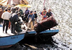 20 let od vytažení první mrtvoly z Orlické přehrady: Jednoho z vrahů letos možná pustí
