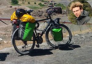Lékař se vydal na cestu kolem světa. V Itálii mu ukradli kolo