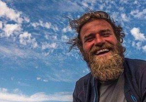 Na cestě kolem světa byl 4 roky, popravili ho v Mexiku: Bratr jeho tělo přivezl domů, konečně ho pohřbili