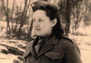 Emilie Řepíková roz. Klabanová v roce 1945 v Krajná Poliana v Polsku