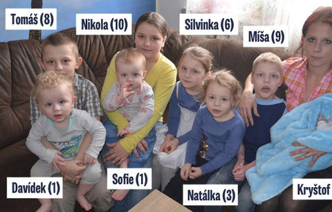 To je rodinka: Petra (30) a Stanislav si pořídili osm dětí za 10 let a ještě nekončí!