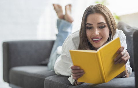 6 revolucí ve čtení: Od jeskyních maleb po audioknihy