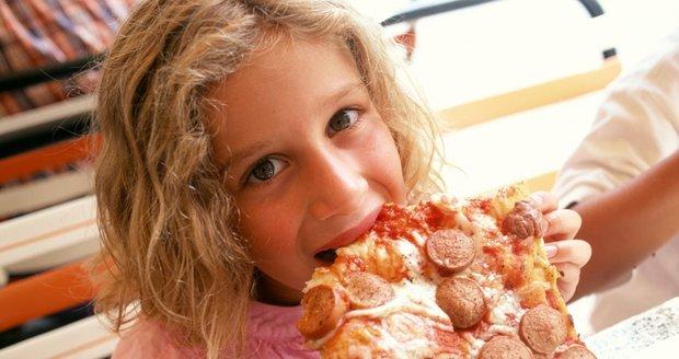 Co dávat dětem k jídlu, aby rostly tak akorát a byly zdravé?