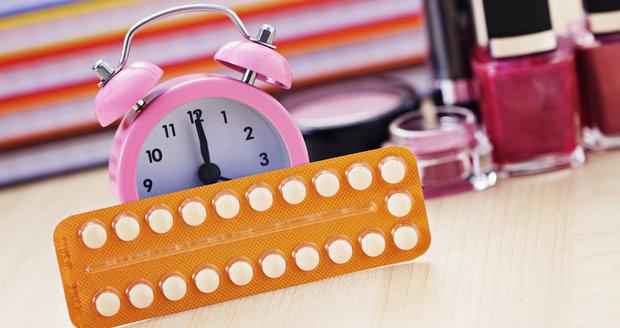 Každá žena by měla nasazení hormonální antikoncepce zvážit a konzultovat s lékařem