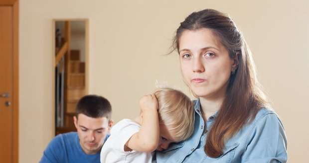 Kvůli manželovým dluhům z minulosti můžete přijít o byt