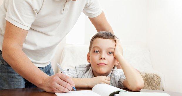 Za své neúspěchy ve škole vaše dítě možná nemůže. Může mít jednu z forem poruchy učení.