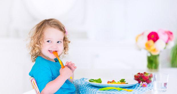Čím víc potravin dítě do jednoho roku ochutná, tím pestřejší může mít jídelníček, když povyroste