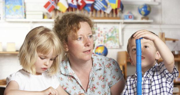 Učitelka Lillian Burns se svěřila, proč nechce pro syna Montessori školu.
