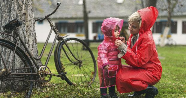 Neexistuje nic jako špatné počasí, tvrdí švédská autorka knihy o výchově  Linda Åkeson McGurk.
