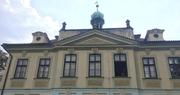 Veleslavínský zámek se bude na konci listopadu dražit.