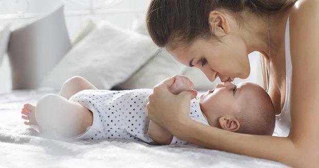Mazlení ovlivňuje nejen psychiku dítěte, ale mění i jejich geny! Jsou napřed!