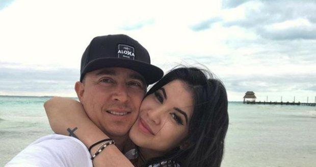 Nejúspěšnější česká pornoherečka Lady Dee na dovolené se svým přítelem