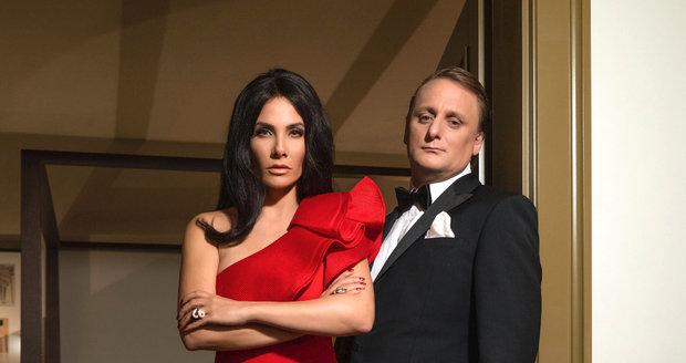 Pavlásek jako agent 007 a jeho sexy Bond girl