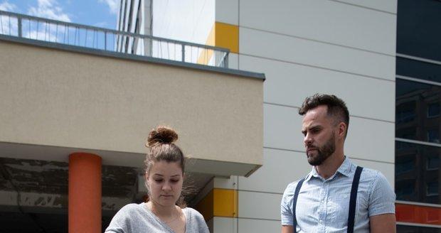 Oliverek trpící nemocí SMA a jeho rodiče vyjednávali s nemocnicí v Motole o aplikaci léku Zolgensma.