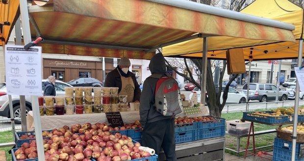 Znovuotevření trhů na Tylově náměstí. (12. 4. 2021)