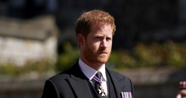 Princ Harry na pohřbu prince Philipa