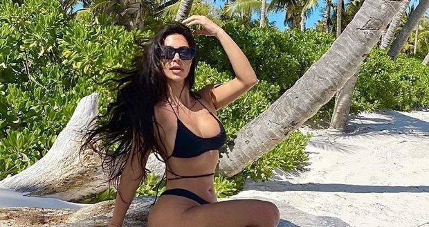 Kim Kardashian a její nožka se čtyřmi prstíky