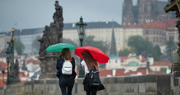 Déšť v Praze (ilustrační foto)