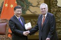 Zeman přiletěl na skok do Číny. Si Ťin-pchinga má provést na obřím výstavišti
