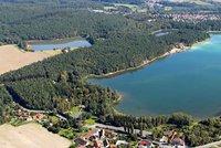 """Bolevecký rybník v Plzni vysychá: Oblíbený rybník """"dočepuje"""" upravená voda z Berounky"""