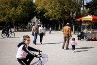 Řecko vyhlíží turisty už na jaře. Přijeďte i bez očkování, vzkázal ministr Britům