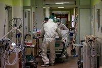Lékařka Lucie o smrti pacientky: Babičku nakazila vnučka po večírku, roušku neměla kvůli pupínkům