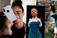 Balerína (16) bez rukou uchvátila tancem svět: Nádherně baletí. Sama se líčí nohama
