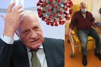 Nakažený Klaus ukázal fotku z nemocnice a s rouškou na obličeji vzkazuje: Je mi lépe