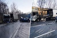 Tragická nehoda u Votic: Řidič (†66) zemřel po srážce s náklaďákem