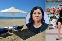 Jourová dala i Čechům naději na léto u moře: Ztratit další sezonu nelze! Covid-pas pomůže?
