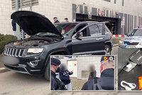 Drogová nálož ve Vršovicích! Zfetovaný muž vezl v luxusním autě pervitin i heroin