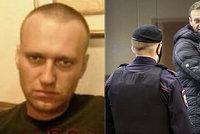 Navalnyj s oholenou hlavou popsal peklo ve vězeňské kolonii: Jako v koncentráku