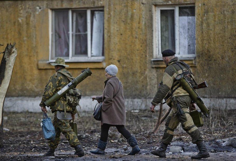 Diplomatické řešení pro Donbas (na snímku) neexistuje, napsal kyjevský list Deň