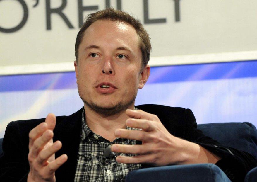 Elon Musk (zakladatel PayPalu, Tesla Motors, SpaceX, otec futuristické dopravy Hyperloop)