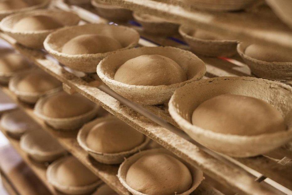 U dobrého chleba jde o čas. Každý kvásek vyžaduje péči a každý bochník zase čas a klid na kynutí.