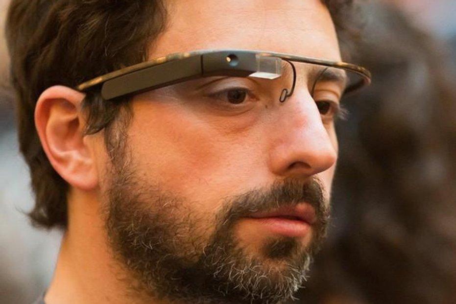 Sergey Brin a zatím stále napůl tajné chytré brýle Google Glass