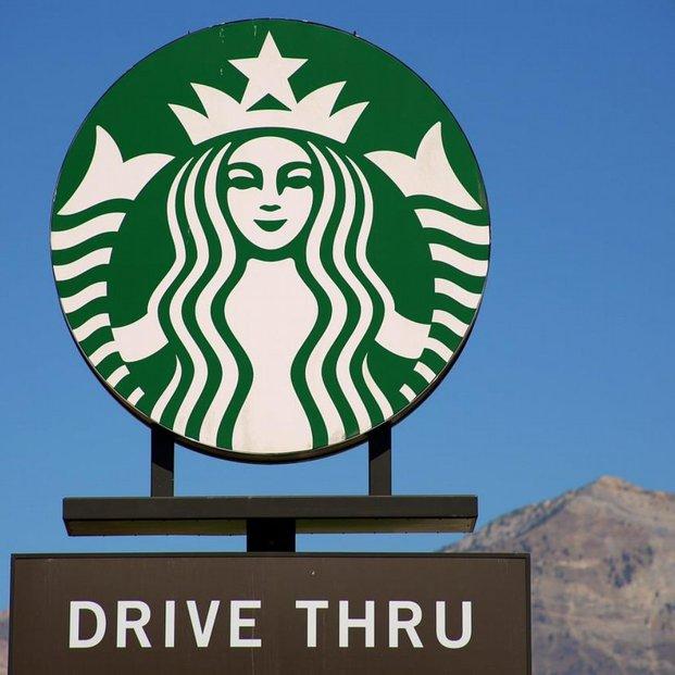 Evropská komise podezřívala Starbucks, že se v Nizozemsku vyhýbá daním. Tribunál EU to nepotvrdil.