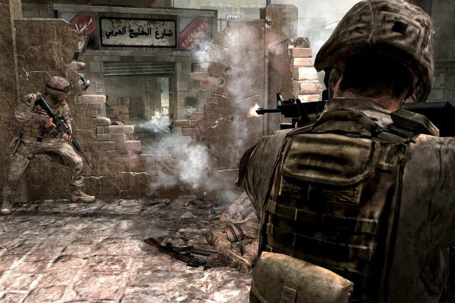 Střílečky z vlastního pohledů dokáží člověku snížit vnímání bolesti. Na snímku záběr ze hry Call of Duty 4 od firmy Activison. (Foto: Activision)