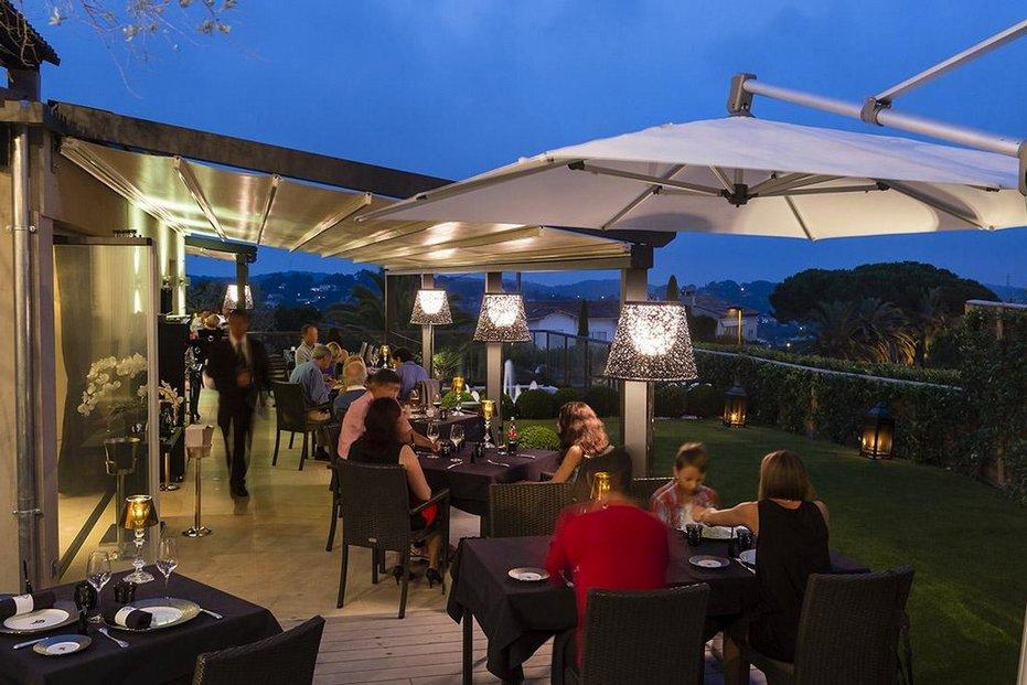 restaurant paloma Andreje Babiše ve Francii