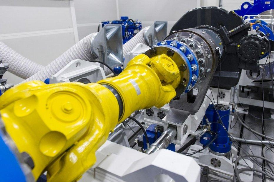 Strojírny Wikov MGI z Hronova na Náchodsku v těchto dnech otevřely nové vývojové a testovací centrum převodovek. Pracoviště v hodnotě přes 30 milionů korun je speciálně určené pro převodovky kolejových vozidel a firmě by mělo pomoci posílit vlastní výzkum a vývoj a zvýšit konkurenceschopnost.