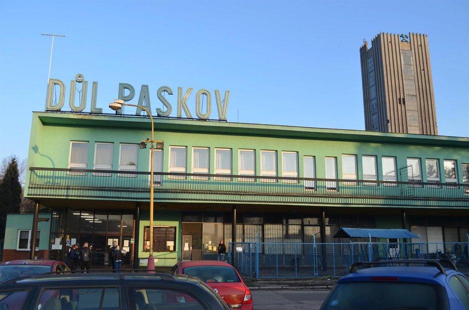 Z Dolu Paskov odejdou stovky lid, do achty na Karvinsku ale