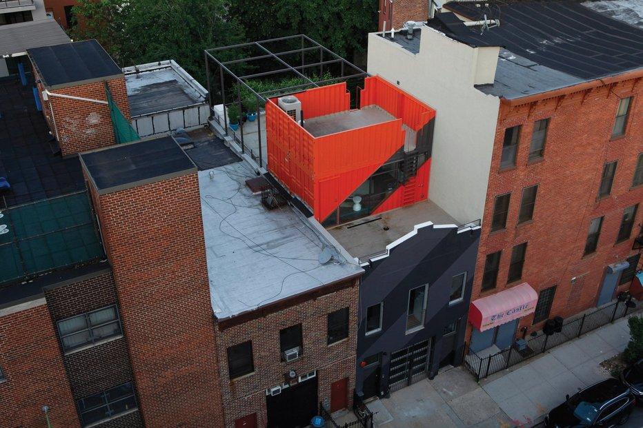 Originální penthouse postavený z přepravních kontejnerů