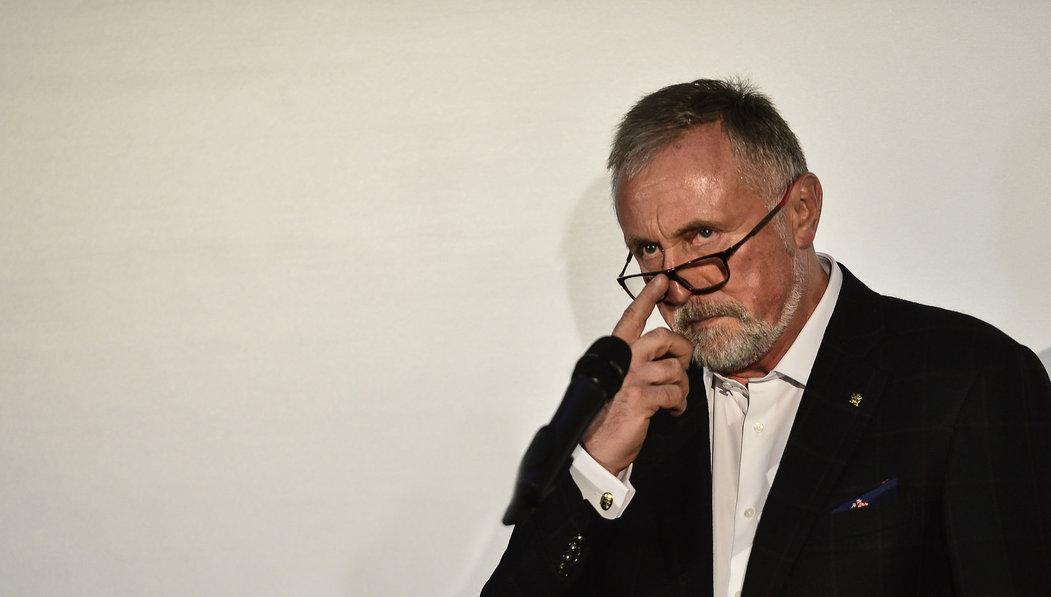 Mirek Topolánek oznámil oficiálně, že podal kandidaturu.