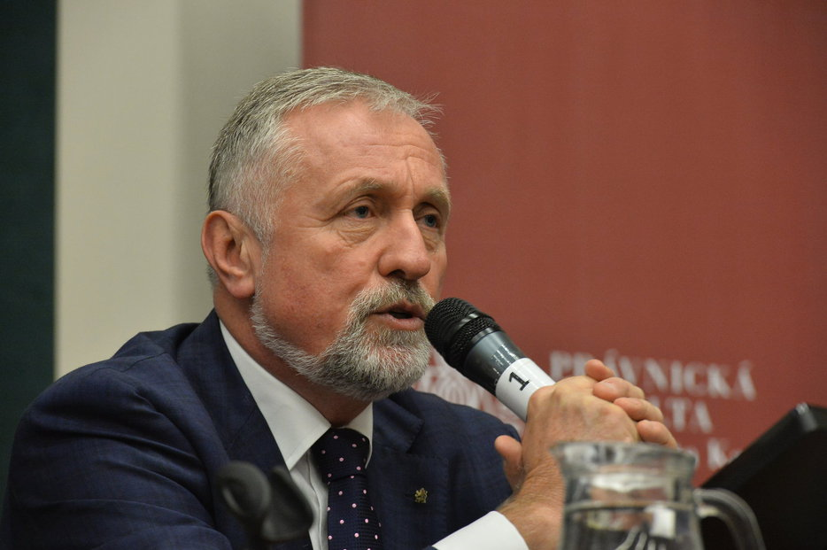 Debata prezidentských kandidátů na Právnické fakultě: Mirek Topolánek