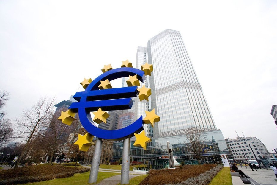 c0bba8dfa16fc Akcie, měny & názory Michala Skořepy: Draghi a ČNB | E15.cz