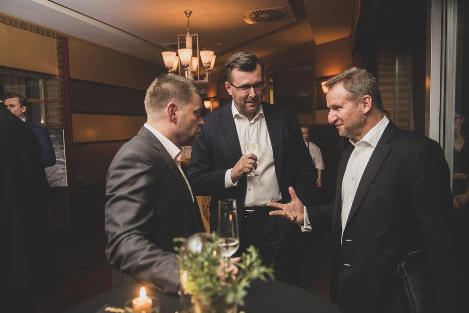 Zleva šéf DPP Petr Witowski, Jaroslav Havel, zakladatel AK Havel & Partners a předseda představenstva OKD Michal Heřman